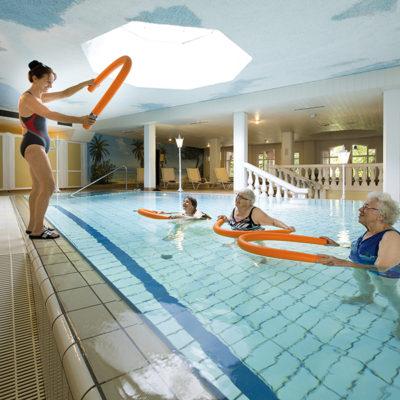 Wassergymnastik in unserem Schwimmbad